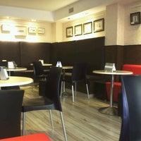 3/31/2012 tarihinde Jose Antonio L.ziyaretçi tarafından Café de Autor'de çekilen fotoğraf