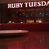 Photo taken at Ruby Tuesday by Deligiannis G. on 7/14/2012