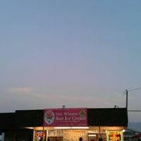 8/4/2012 tarihinde Alex F.ziyaretçi tarafından Pav's Creamery'de çekilen fotoğraf