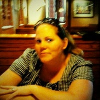 Photo taken at Carrabba's Italian Grill by Fernando P. on 5/6/2012