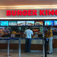 Foto tirada no(a) Burger King por Renan F. em 5/21/2012