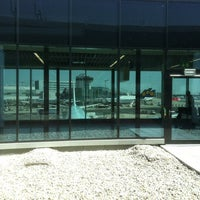 Foto tirada no(a) Lufthansa Business Lounge / Tower Lounge (Non Schengen) por Sidorov K. em 8/19/2012