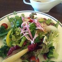 Photo taken at Restaurant Latin by Yoshihumi N. on 2/9/2012
