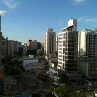 Foto tirada no(a) Porto da Ilha Hotel por Saulo C. em 3/30/2012