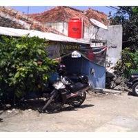 Photo taken at Ikan Bakar Kake by Fonda N. on 3/22/2012