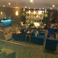 Photo taken at Holiday Inn London - Kensington by Willard B. on 6/2/2012