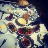 4/7/2012 tarihinde Melis U.ziyaretçi tarafından Hanedan Restaurant'de çekilen fotoğraf