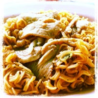 Photo taken at แอ๋ว อาหารตามสั่ง by OMG S. on 2/24/2012