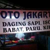 Photo taken at Soto Jakarte by Faiz A. on 2/2/2012