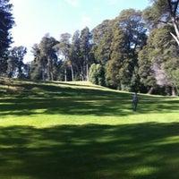 Foto tomada en Campo de Golf por Regina K. el 8/24/2012
