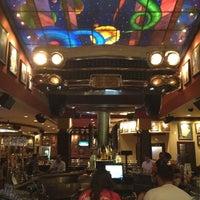 Снимок сделан в Hard Rock Cafe Houston пользователем Nicole P. 8/31/2012