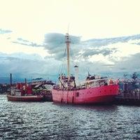 Снимок сделан в Lightship Frying Pan @ Pier 66 Maritime пользователем Courtney R. 9/9/2012