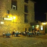 Photo taken at Bodegas del Sobrarbe by Javier on 9/5/2012
