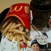 Photo taken at McDonald's by tetsu1111 on 2/27/2012
