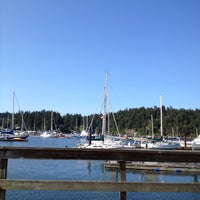 Photo taken at Oystercatcher Seafood Bar and Grill by Danielle L. on 5/18/2012