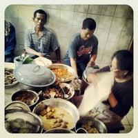 Photo taken at Gudeg Abimanyu by Fahmy A. on 6/23/2012