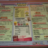 Photo taken at Waffle House by Darryl W. on 8/11/2012