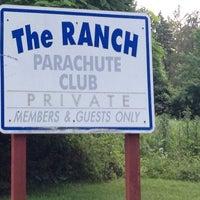 Das Foto wurde bei The Blue Sky Ranch | Skydive The Ranch von Lc P. am 6/23/2012 aufgenommen