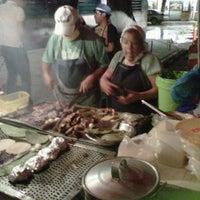 Foto tirada no(a) Tacuqui Tacos por Jonito O. em 6/19/2012