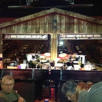 Photo taken at Shout House Dueling Pianos by Aaron L. on 5/31/2012