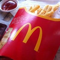 Photo taken at McDonald's & McCafé by ชอบความจริงใจ ค. on 4/11/2012