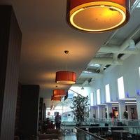 9/1/2012 tarihinde Osama A.ziyaretçi tarafından Ada Cafe Family Mall'de çekilen fotoğraf