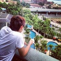 Photo taken at Thistle Hotel Johor Bahru by ApEk WhuuT on 4/9/2012