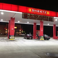 Photo taken at Sheetz by Arwa A. on 8/10/2012
