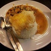 Das Foto wurde bei ร้านอาหารเยาวราช von manop p. am 5/16/2012 aufgenommen