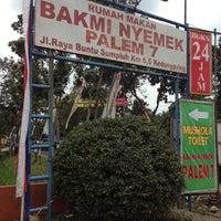 Photo taken at Bakmi Nyemek Palem 7 by anggie p. on 8/18/2012