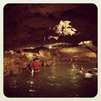 Das Foto wurde bei Cenote San Ignacio von Alfonso A. am 7/22/2012 aufgenommen