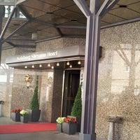 Das Foto wurde bei Sheraton Grand Salzburg von Seulah Rebecca C. am 8/12/2012 aufgenommen
