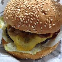 4/14/2012 tarihinde Seda O.ziyaretçi tarafından Burger House'de çekilen fotoğraf