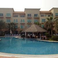 Photo taken at Mövenpick Hotel & Resort Al Bida'a by Ya7ya 1. on 3/22/2012
