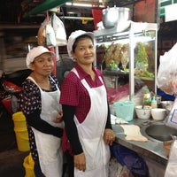 Foto tomada en เจ้จันทร์ก๋วยเตี๋ยวเป็ด por Taijung H. el 3/20/2012