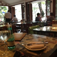 Foto tirada no(a) Restô Ipanema por Antonia N. em 3/29/2012