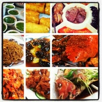 Photo taken at Golden Leaf Hong Kong Fine Dine by Lou A. on 8/4/2012