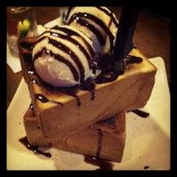 Photo taken at Shokudo Japanese Restaurant by Mark G. on 4/14/2012