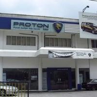 Photo taken at Proton Edar Service Centre by Norfirdaus H. on 8/17/2012