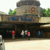 Photo taken at Wet World Shah Alam by Mei Lyn A. on 5/20/2012