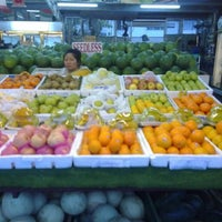 Photo taken at Fruit Centre Pelita Commercial by Amy W. on 6/12/2012