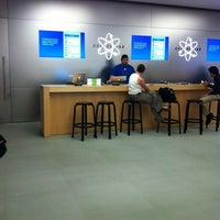 Photo taken at Apple The Falls by Alejodedor on 5/23/2012