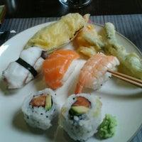 Foto scattata a Ichiban sushi wok da Luca D. il 9/4/2012
