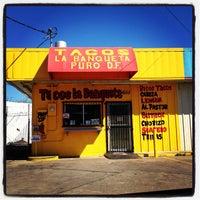 Foto tomada en Tacos Conin por Dallas Foodie (. el 3/25/2012