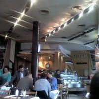 Foto tomada en Totem Pizza por Juliana R. el 9/7/2012