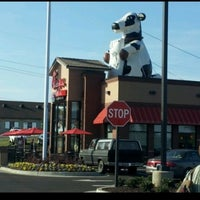 Photo taken at Chick-fil-A Duncan by Kip D. on 5/30/2012