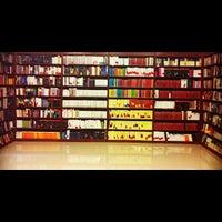 Foto tomada en Libreria Communitas por Pao M. el 9/4/2012