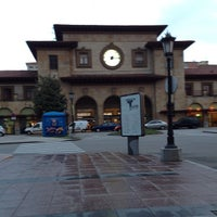 Foto diambil di Estación de Oviedo oleh Alejandro F. pada 5/18/2012