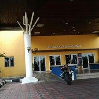 Photo taken at Pusat Skuasy Nasional Bukit Jalil by Rauzah D. on 8/29/2012