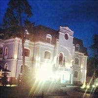 Снимок сделан в Гостиный Дворъ 1812 пользователем Евген К. 8/18/2012
